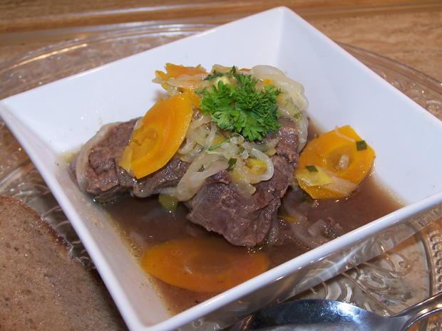 Kronfleisch im Sud mit Gemüse und selbst gemachter Kräuterbutter - Rezept - Bild Nr. 8616