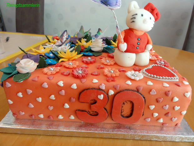 Biskuit:  HELLO KITTY ~ Torte mit Lemon-Sahne-Quark - Rezept - Bild Nr. 13