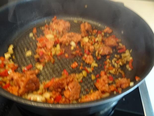 Tagliatelle mit cremiger Salsiccia-Tomatensoße - Rezept - Bild Nr. 8641