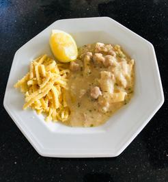 Rezept: Hühnerfrikassee mit Reis oder Spätzle