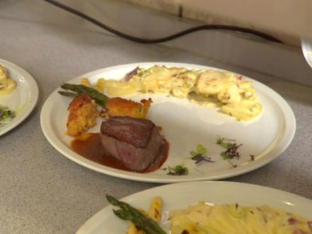 Rinderfilet mit Burgundersosse, Kartoffelgratin und gegrilltem Spargel - Rezept - Bild Nr. 8664