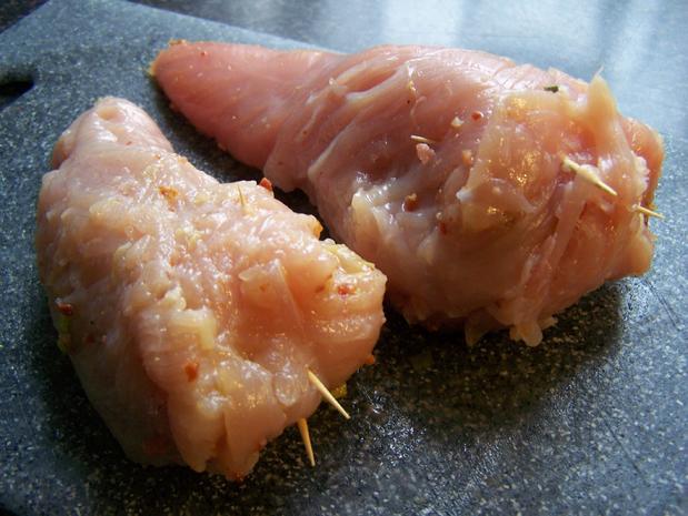Hühnerfilet gefüllt,  in einer Porreespecksauce - Rezept - Bild Nr. 8714