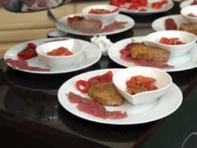 Tomatensalat mit Thunfisch in Currydressing dazu Thunfisch Carpaccio - Rezept - Bild Nr. 2