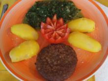 Hamburger mit Würzspinat und Pellkartoffeln - Rezept - Bild Nr. 2