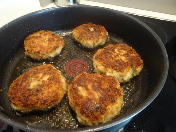 Geflügelfrikadellen mit Rahm-Chinakohl und Kartoffelmuffins, Kochbar-Challenge 9.0 - Rezept - Bild Nr. 8854
