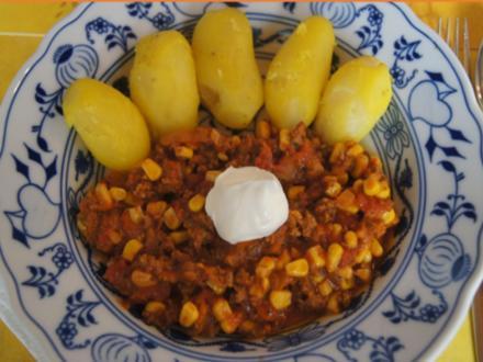 Chili con Carne mit Pellkartoffeln - Rezept - Bild Nr. 8851