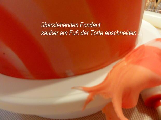 Rührteig:   SCHACHBRETT~TORTE mit Fondant-Deko - Rezept - Bild Nr. 8871