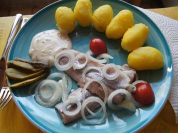 Matjesfilet mit Hausfrauensauce und Pellkartoffel-Drillingen - Rezept - Bild Nr. 2