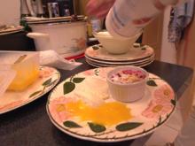 Beerencrumble und Limonen Mousse an Mango Sauce - Rezept - Bild Nr. 2