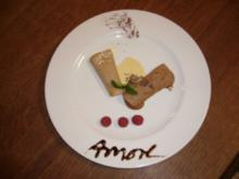 Cannoli trifft Mousse au Chocolat an grüner Kaffeesoße - Rezept