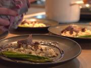 Kalbsfilet auf Pilzrisotto an Portweinjus mit Thaispargel - Rezept - Bild Nr. 2