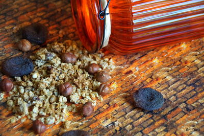 Frühstück: Haselnuss-Aprikosen-Honig-Granola - Rezept - Bild Nr. 2