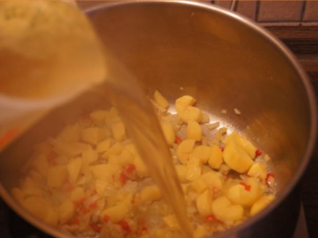 Herzhafte Zucchini Suppe mit Einlage - Rezept - Bild Nr. 7