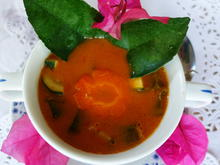 Würzig-scharfe Tomatensuppe mit Zucchino - Rezept - Bild Nr. 2