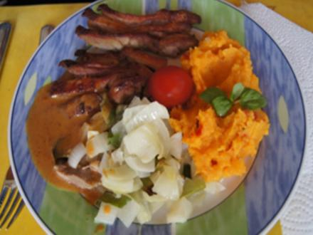 Knusperente auf Gemüsebett mit Erdnusssauce und Süßkartoffelstampf - Rezept - Bild Nr. 16