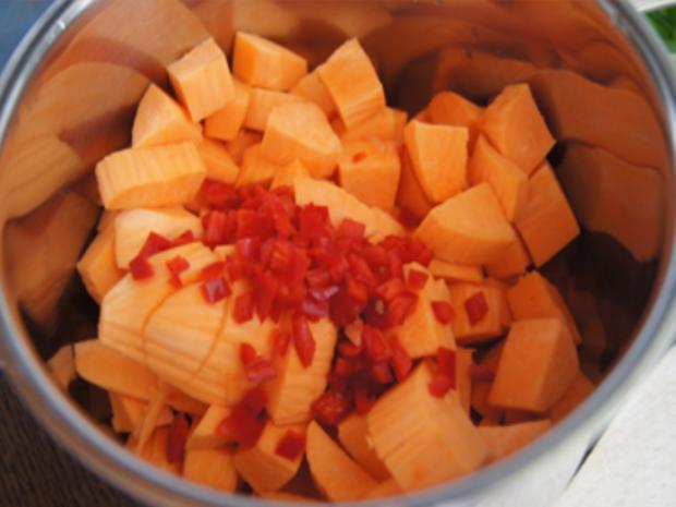Knusperente auf Gemüsebett mit Erdnusssauce und Süßkartoffelstampf - Rezept - Bild Nr. 18