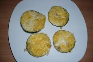 Zucchinischeiben mit Käse überbacken - Rezept - Bild Nr. 2