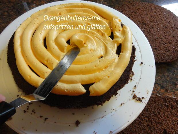 Biskuit:   HALLOWEEN ~ ORANGEN ~ KÜRBISTORTE = Kochbar Challenge 10.0 (Oktober 2019) - Rezept - Bild Nr. 7