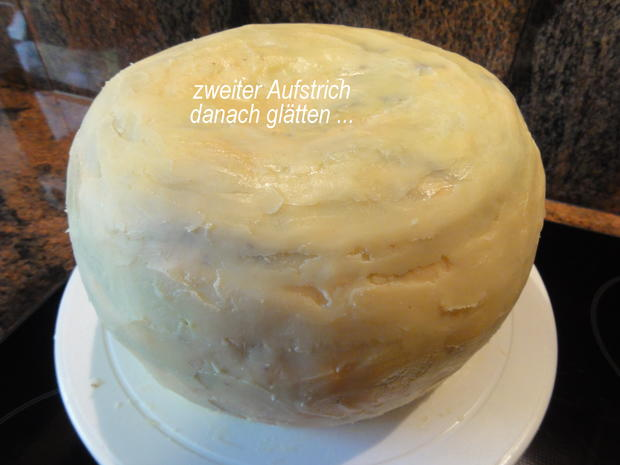 Biskuit:   HALLOWEEN ~ ORANGEN ~ KÜRBISTORTE = Kochbar Challenge 10.0 (Oktober 2019) - Rezept - Bild Nr. 9