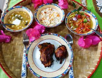 Frittierte Hühnerschenkel auf Kalasan Art - Ayam Goreng Kalasan - Rezept - Bild Nr. 2