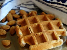Frühstück: Nuss-Hafer-Waffeln - Rezept - Bild Nr. 2