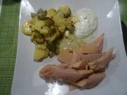 Lachsforelle XXL im Salzmantel mit Kartoffel-Gurkensalat und Dill-Schmand-Dip - Rezept - Bild Nr. 10