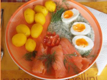 Gekochte Eier in Dillsauce mit geräucherten Lachs und Drillingen - Rezept - Bild Nr. 2
