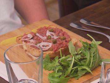 Tatar auf Grilled Cheese Sandwich - Rezept - Bild Nr. 2