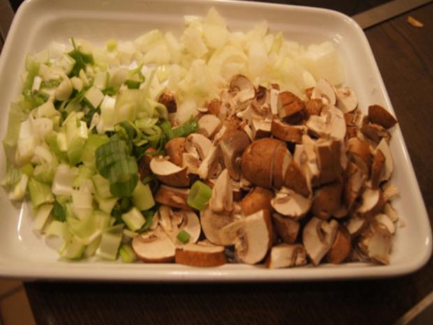 Herzhaftes Omelett mit Champignoneinlage, Feta Käse und Avocado - Rezept - Bild Nr. 3
