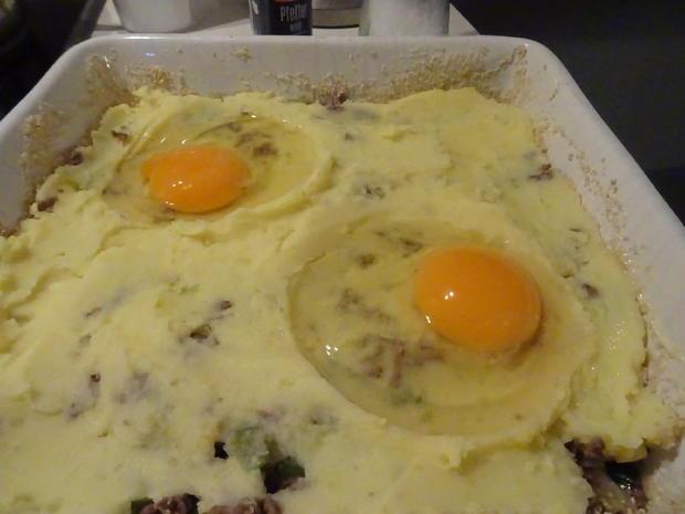 """Kartoffel-Hack-Auflauf mit """"integriertem Spiegelei"""" - Rezept - Bild Nr. 6"""