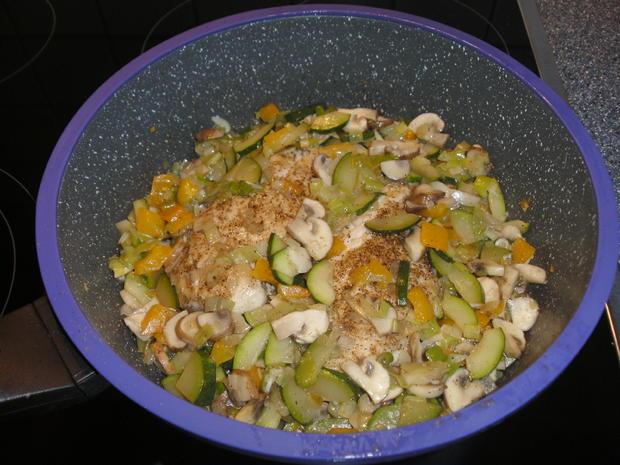 Überbackene Hähnchenfilets mit Gemüse - Rezept - Bild Nr. 3