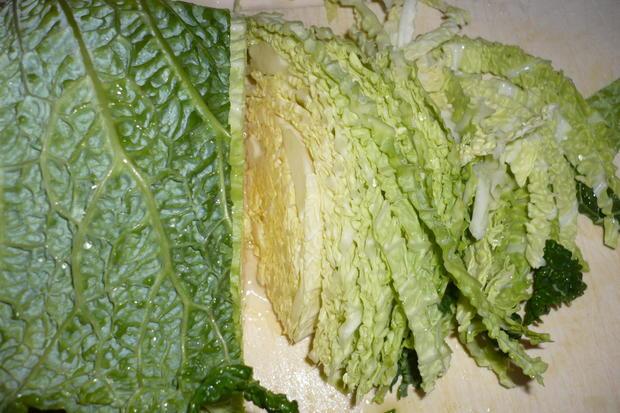 Lachsfilet mit Wirsingnudeln an Meerrettichsauce - Rezept - Bild Nr. 3