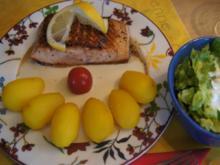 Lachsfilet mit Meerrettichsauce, Drillingen und Romana Salat - Rezept - Bild Nr. 2