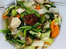 Cap Cay mit Hühnerfleisch und Kangkung - Rezept - Bild Nr. 2
