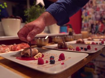 Tobleronemousse auf Himbeerspiegel - Rezept - Bild Nr. 2