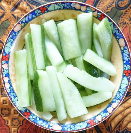 Gewürzte Gurkenstücke auf malayische Art - Rezept - Bild Nr. 10