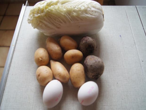Rote-Bete-Kartoffel-Stampf mit Spiegelei und Chinakohlsalat - Rezept - Bild Nr. 3