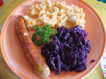 Thüringer Rostbratwurst mit Ananas-Mango-Rotkohl und Pastinaken-Möhren-Kartoffel-Stampf - Rezept - Bild Nr. 2