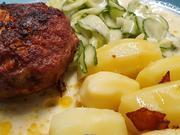 Frikadellen - Salzkartoffeln und Gurkensalat sind ein Lieblingsgericht - Rezept - Bild Nr. 2