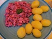 Roter Matjesfiletsalat mit Pellkartoffel-Drillingen - Rezept - Bild Nr. 2