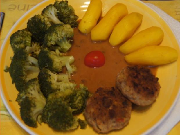 Herzhafte Buletten mit pikanter Sauce, Brokkoli und Corne de Gâtes - Rezept - Bild Nr. 2