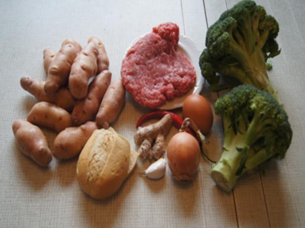 Herzhafte Buletten mit pikanter Sauce, Brokkoli und Corne de Gâtes - Rezept - Bild Nr. 3