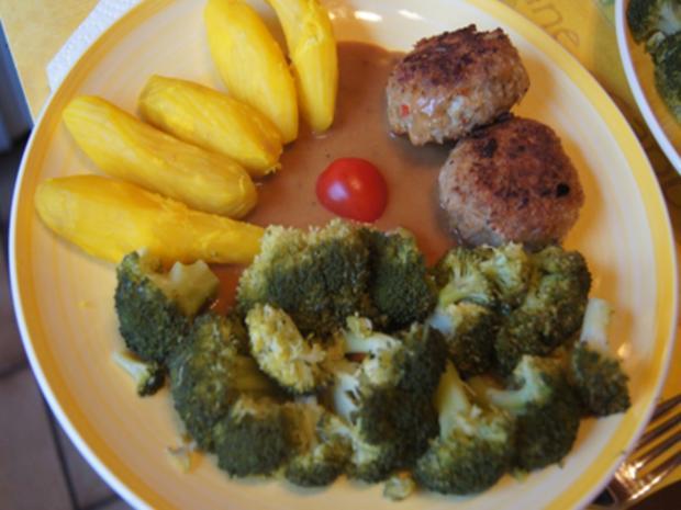 Herzhafte Buletten mit pikanter Sauce, Brokkoli und Corne de Gâtes - Rezept - Bild Nr. 20
