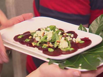 Rote-Bete-Carpaccio mit gebackenem Schafskäse-Crumble - Rezept - Bild Nr. 2