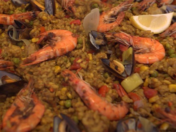 Paella mit Fisch und Fleisch - Rezept - Bild Nr. 2