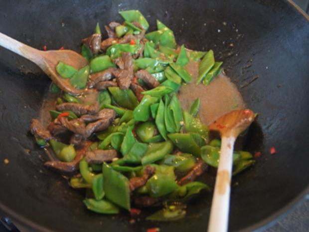 Steakhüfte mit Paprika-Zuckerschoten-Gemüse im Wok und gelber Basmatireis - Rezept - Bild Nr. 14