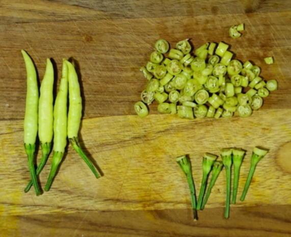 Scharfe Zucchini-Rouladen mit Rindfleisch- und Gemüsefüllung - Rezept - Bild Nr. 7