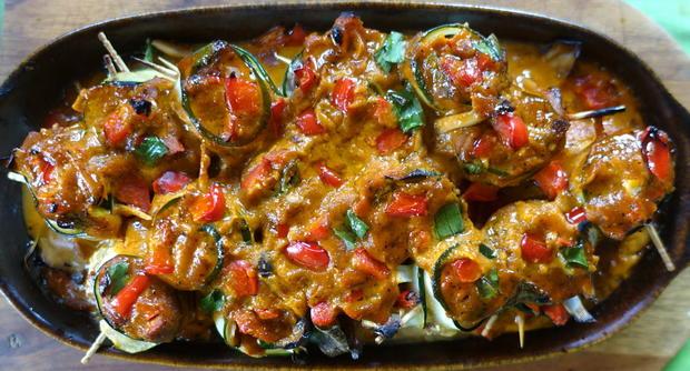 Scharfe Zucchini-Rouladen mit Rindfleisch- und Gemüsefüllung - Rezept - Bild Nr. 20