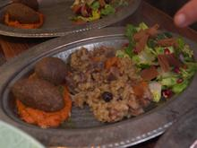Frittierte Kibbeh und geschichtetes Lamm mit Reis - Rezept - Bild Nr. 2