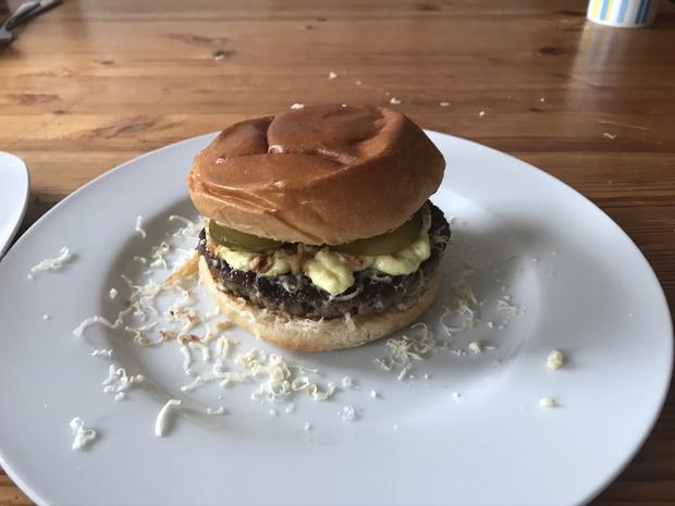 Burger mit Cheddar - Rezept - Bild Nr. 2